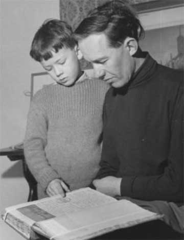 Richard Hatchwell and child